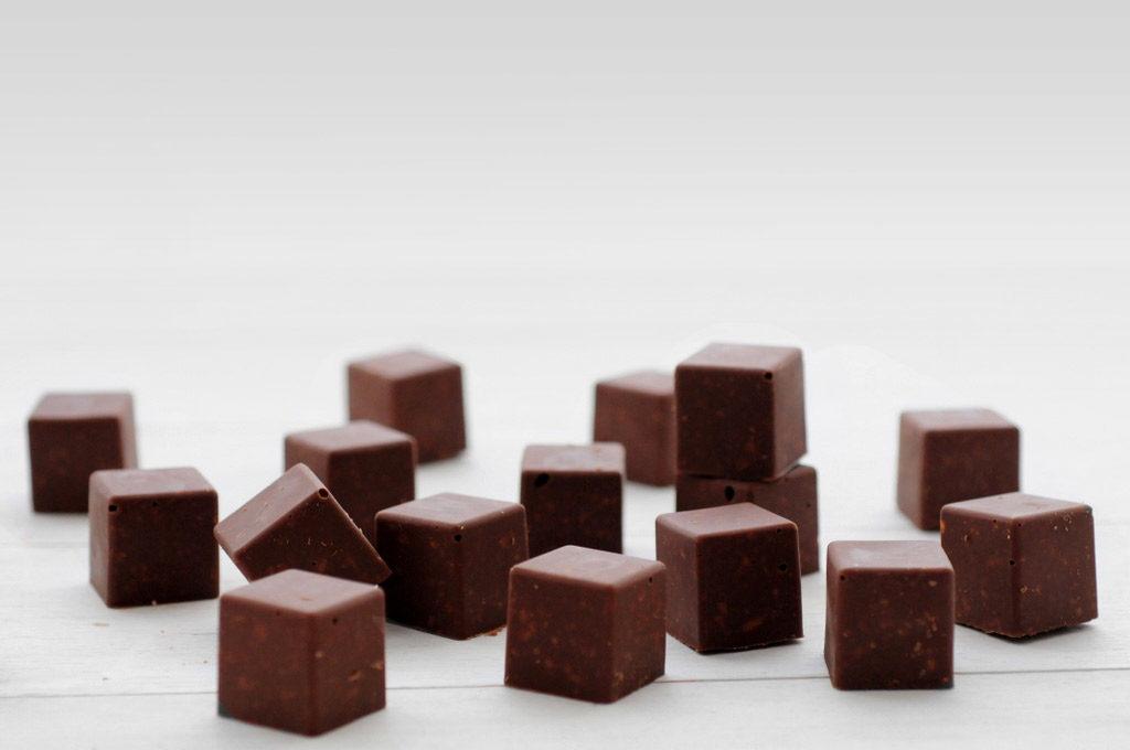 קוביות שוקולד ופייטה פויטין