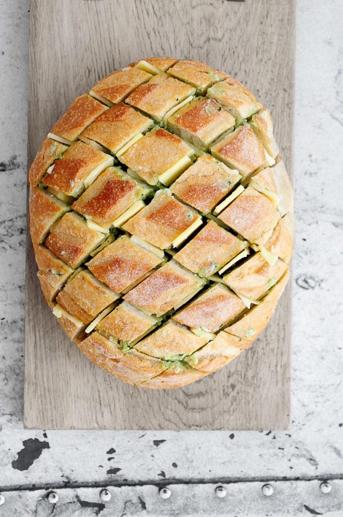 לחם שום וגבינות