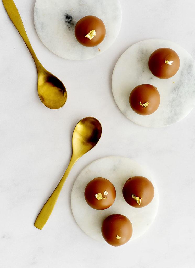 פטיפור מוס שוקולד לבן ולוטוס