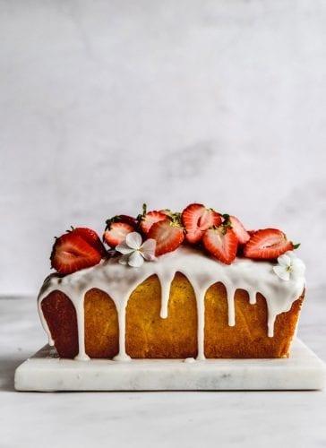 עוגת וניל ותותים