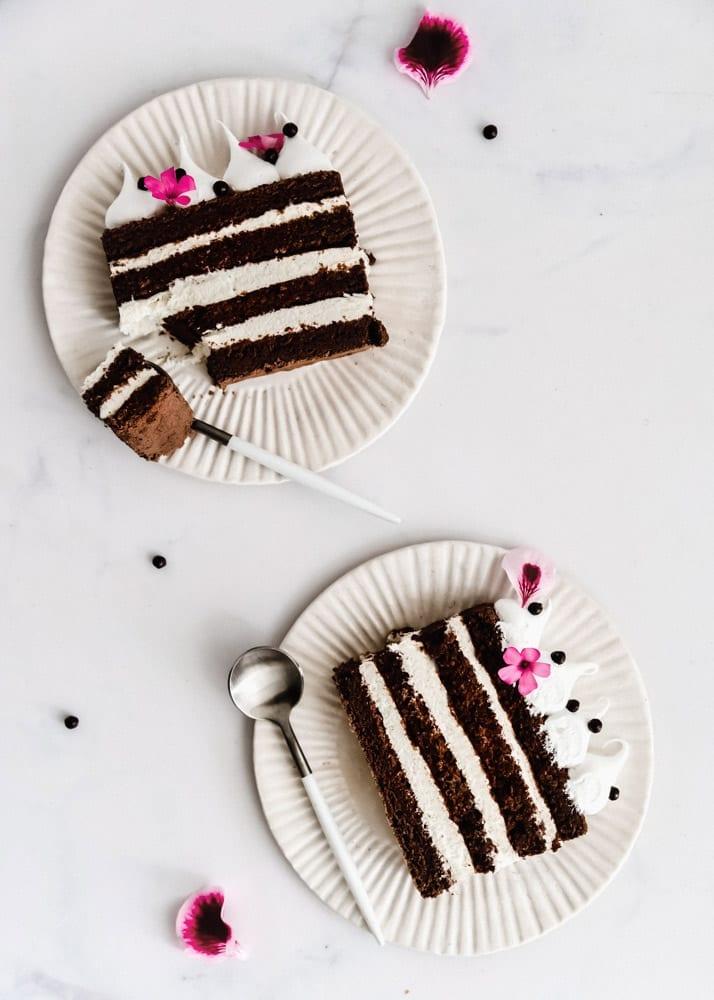 עוגת שכבות שוקולד וקצפת לפסח