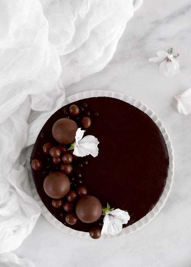עוגת גבינה אפויה עם שוקולד
