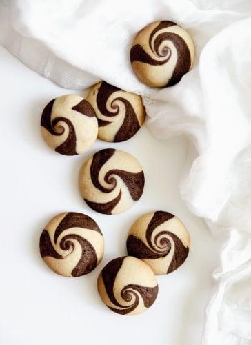 עוגיות מערבולת שוקולד-וניל