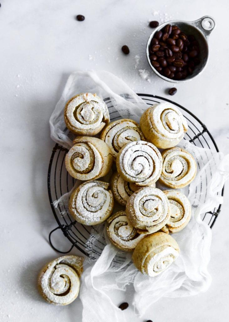 עוגיות שושנים עם קפה